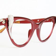 Love these vintage eyeglasses!
