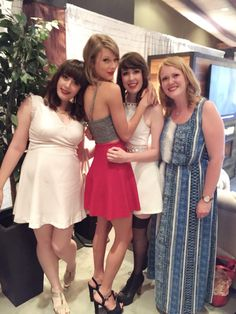 Taylor and fans in Loft '89 Ottawa!