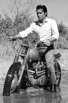Elvis riding a Triumph Scrambler Ducati, Motos Vintage, Vintage Bikes, Triumph Scrambler, Triumph Motorcycles, Triumph Bonneville, Triumph Motorbikes, Indian Motorcycles, Vintage Motorcycles