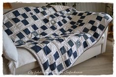 Quilt aus Jeans, Bettwäsche und Schlafsack / Quilt made from pairs of jeans, bed linen and sleeping bag / Upcycling