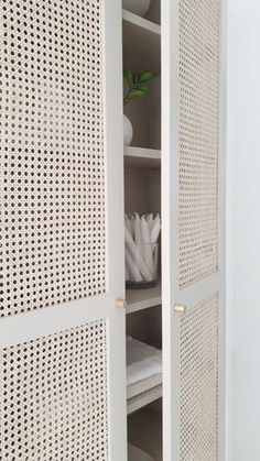 This BILLY celebrates with one-of-a-kind cane doors - IKEA Hackers Cane furniture is definitely here Diy Interior, Interior Design, Flur Design, Home Design, Cane Furniture, Furniture Design, Trendy Furniture, Furniture Ideas, Tidy Room