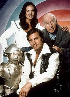Buck Rogers TV Series 1979 - 1981 Standing Erin Gray, Wilfrid Hyde-White, Felix Silla as Twiki/Odee-x, and Gil Gerard. 70s Tv Shows, Old Shows, Great Tv Shows, Movies And Tv Shows, Tv Sendungen, Mejores Series Tv, Erin Gray, Image Film, Vintage Tv