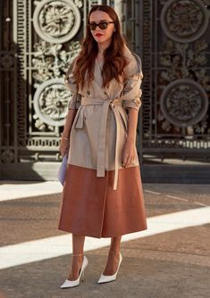 8 Street Style Trends We Spotted at Fashion Week to Copy STAT - theFashionSpot Trench Coat Outfit, Beige Trench Coat, Street Style 2018, Street Style Trends, St Style, Cute Jackets, Style Snaps, Color Beige, Ethnic Fashion