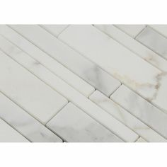 I am truly adoring this engineering and arrangement. Extraordinary motivation if you're struggling to find ideas for Calacatta Gold Marble, Marble Mosaic, Mosaic Tiles, Mosaics, Grace Home, Marble Polishing, Gold Highlights, Countertop Materials, White Marble