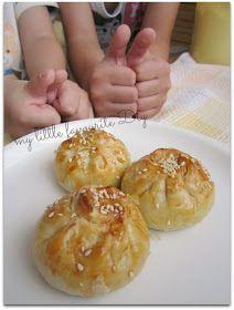 Goin to try this with chicken! my little favourite DIY: Siew Pau (roasted bun). Malaysian Cuisine, Malaysian Food, Malaysian Recipes, Malaysian Dessert, Baked Siopao Recipe, Dim Sum, Pau Recipe, Asian Buns, Pork Buns