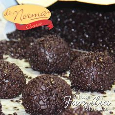 Já experimentaram nosso delicioso, Brigadeiro Meio Amargo Belga?  #DiNorma #love #BrigadeiroGourmet #curta e #compartilha