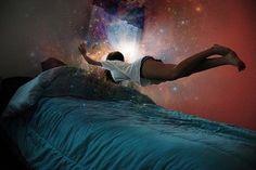 Вещие сны – это такие сны, события которых происходят позже в жизни.  Считается, что вещие сны снятся тем, кто чувствителен к проявлениям другого мира. Если вам когда-нибудь снился такой сон, а впоследствии он сбывался, можно развивать свои способности, свое ясновидение.  Для этого нужно завести дневник. Хранить его желательно рядом с кроватью. А, проснувшись, записывать в дневник увиденное во сне.  После того, как запись сделана, будьте наблюдателем за событиями своей жизни – отмечайте…