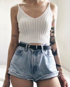 White crop top DIY distressed high waisted jeans style fashion girl curves summer outfit ootd style inspo