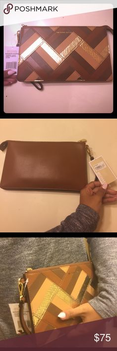 Michael Kors patterned clutch NWT -  beautiful leather clutch/wristlet with gold croc pattern, chocolate, tan, and beige stripes MICHAEL Michael Kors Bags Clutches & Wristlets