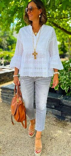 Jeans, Beige, Chic, Instagram, Outfits, Products, Fashion, Fashion Styles, White Tunic Tops