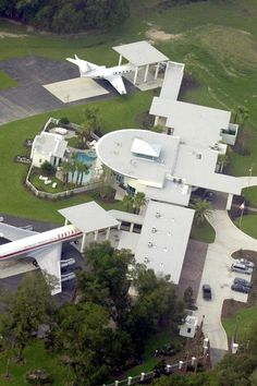 John Travolta's Florida mansion has the appearance of a mini airport from above
