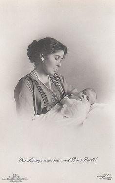 Kronprinzessin Margarete von Schweden mit Sohn Bertil, Swedisch Crown Princess with her son