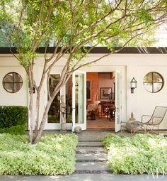 Ellen DeGeneres and Portia de Rossi, Beverly Hills. Love their home!