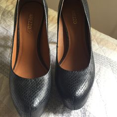 Dressbe   Sapato couro Meia Pata Preto Arezzo #sapato #shoes #arezzo