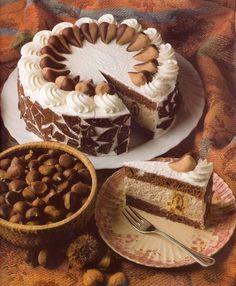 Chestnut puree cake My Favorite Food, Favorite Recipes, Hungarian Desserts, Pavlova, Sweet And Salty, Cakes And More, How To Make Cake, Cake Recipes, Cake Decorating