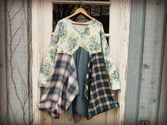 M-L Blue Plaid Floral Bohemian Dress// Upcycled// par emmevielle