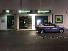 Furto notturno in banca alla periferia di Perugia, magro bottino FOTO
