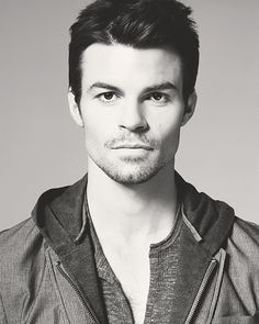 daniel gillies. This is totally an older version of Poe from Timepiece and Infinityglass.