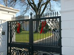 In 2012 it was the first lady of the country – Michele Obama, that has chosen the theme for the Christmas decoration of the White House.
