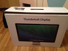 Apple Thunderbolt Display (Unboxing and Testing) - http://cpudomain.com/monitors/apple-thunderbolt-display-unboxing-and-testing-2/