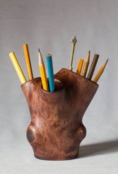 Live edge wooden pencil holder / Pen holder for desk / Log brush holder / Small wooden carved vase for dried flowers / Desk Accessory by mitsic on Etsy