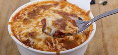 Kombinieren Sie die exotische Sättigungsbeilage Couscous mit viel Gemüse. So zaubern Sie im Handumdrehen ein schIankes Rezept mit Schafskäse und Tatar.