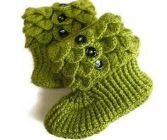 free crochet boot patterns for adults   Crochet Crocodile Adult Slipper Boots in green, black, or purple