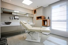 Inspirações - consultórios Fashion how to make an old fashioned Dental Office Decor, Medical Office Design, Healthcare Design, Clinic Interior Design, Clinic Design, Office Waiting Rooms, Cabinet Medical, Hospital Design, Treatment Rooms