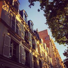 #tresorparisien#detail#lumière#ombres#ambiance#charme#jadoreparis#photo#parisien#paris#inspiration#architecture#immobilierdeluxe#immobilierdefamille#immobilier#luxuryrealestate#realestate#oscarimmobilier