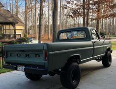 Chevy Trucks, F100 Truck, Dually Trucks, Old Pickup Trucks, Antique Cars, American Racing Wheels, Black Truck, Future Trucks, Classic Ford Trucks