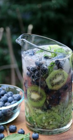 summer drinks, bach party, alcohol, summer parties, blueberri mojito