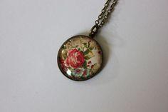Cabochon Halskette - romantische Rosen von Le petit bouton auf DaWanda.com