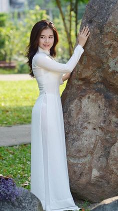 the great white hope Ao Dai, Sexy Long Dress, Transparent Dress, Vietnamese Dress, Poker Online, Beautiful Long Hair, Traditional Dresses, White Girls, Asian Beauty