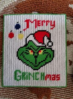 Grinch Ornaments, Cross Stitch Christmas Ornaments, Christmas Cross, Plastic Canvas Christmas, Plastic Canvas Patterns, Tissue Boxes, Gift Cards, Needlepoint, Arts And Crafts