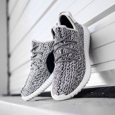2014 cheap nike shoes for sale info collection off big discount.New nike roshe run,lebron james shoes,authentic jordans and nike foamposites 2014 online. Adidas Shoes Outlet, Adidas Shoes Women, Nike Women, Cute Shoes, Me Too Shoes, Estilo Fitness, Converse, Nike Free Shoes, Jordan