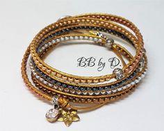 Bracelet Wrap en cuir et perles de rocailles,multi liens très fin argenté, doré. Boho leather Seed beads bracelet. Fait main made in France Bracelets Wrap En Cuir, Bracelet Wrap, Seed Bead Bracelets, Seed Beads, Hippie Style, Or Rose, Bb, Aqua, France