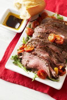Maku 03/2014 Balsamicomarinoitua paahtopaistia ja tomaatteja Casserole, Steak, Roast, Dinner Recipes, Food And Drink, Beef, Cooking, Drinks, Meat