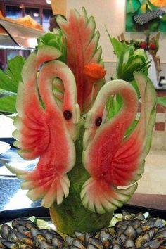 watermelon carving by Ruby OpalTones L'art Du Fruit, Deco Fruit, Fruit Art, Fruit Cakes, Fun Fruit, Fresh Fruit, Fruits Decoration, Decoration Buffet, Fruit Sculptures