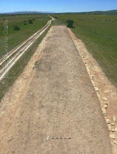 Vista general de la limpieza efectuada en la vía romana por Manuel Jiménez González, junto a la milla 154.