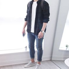 Spring outfits men - 21 Casual Summer and Spring Outfits for Men – Spring outfits men Mens Fashion Casual Shoes, Casual Outfits, Men Casual, Mode Masculine, Outfit Online, Maroon Outfit, Mens Clothing Styles, Urban Fashion, Menswear