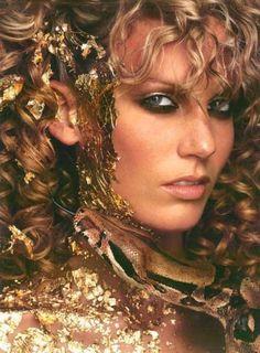 Snake photo shoot - Cycle 1 (Shannon Stewart)