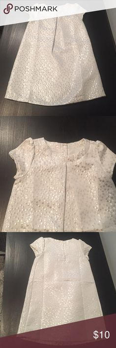 Crazy 8 dress Worn once! White crazy 8 girls dress. Lined as displayed in picture. Perfect shape. Size 5T Crazy 8 Dresses Formal