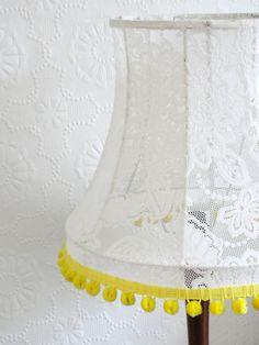 Lace Curtain + Tatty old Lamp = New Shade Bettyjoy tutorials