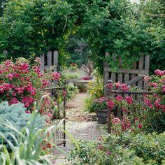 Metall Gartenzaun-frische Blumen