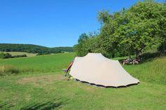campingplekken met uitzicht Camping, Caravan, Mini, Outdoor Gear, Golf Courses, Patio, Country, Places, Traveling