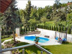 Luxury Garden Elegant Pool