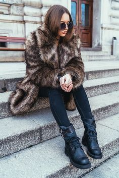 Wearing All Saints Elya Faux Fur Coat, Levi's Jeans, All Saints Delphi Boots, ZeroUv Sunglasses. /// Last Days of Winter - HER PISTOL GO | Women's Style Blog