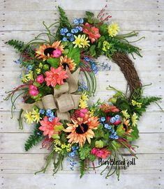 Summer Sunflower Wreath, Summer Wreath, Summer Wreath for Front Door, Summer Grapevine Wreath… – Grapevine Wreath İdeas. Autumn Wreaths, Holiday Wreaths, Wreath Fall, Spring Wreaths, Easter Wreaths, Front Door Decor, Wreaths For Front Door, Front Porch, Diy Wreath