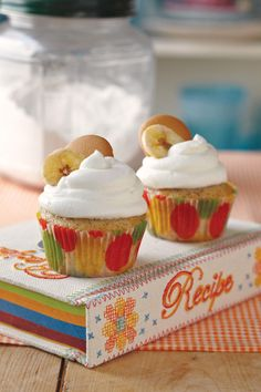 Dreamcakes can never make enough of our Banana Pudding cupcakes. They are the ultimate comfort food. The creamy Fresh Banana Curd is a treat all its own, but pair it with our Banana Cake and whipped cream, and you'll come running back for more.     Recipe: Banana Pudding Cupcakes