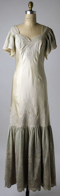 Embroidered silk nightgown, Chinese, early 1920s. Worn by Mrs. Herbert Sage Mesick (part of a lingerie set, with slip, and tap pants and bra).